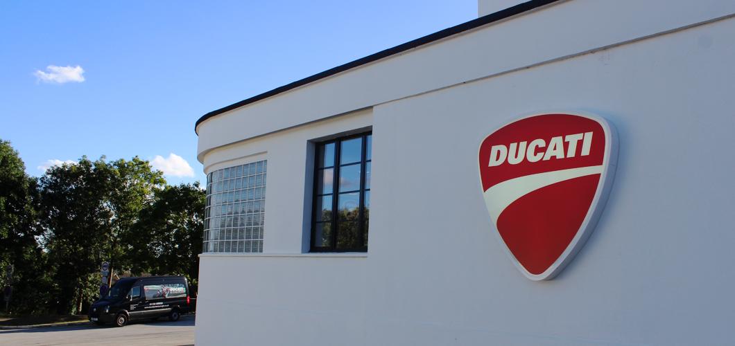 ducati-1060×500-5